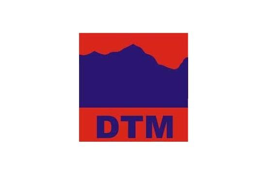 DTM Nissan strand