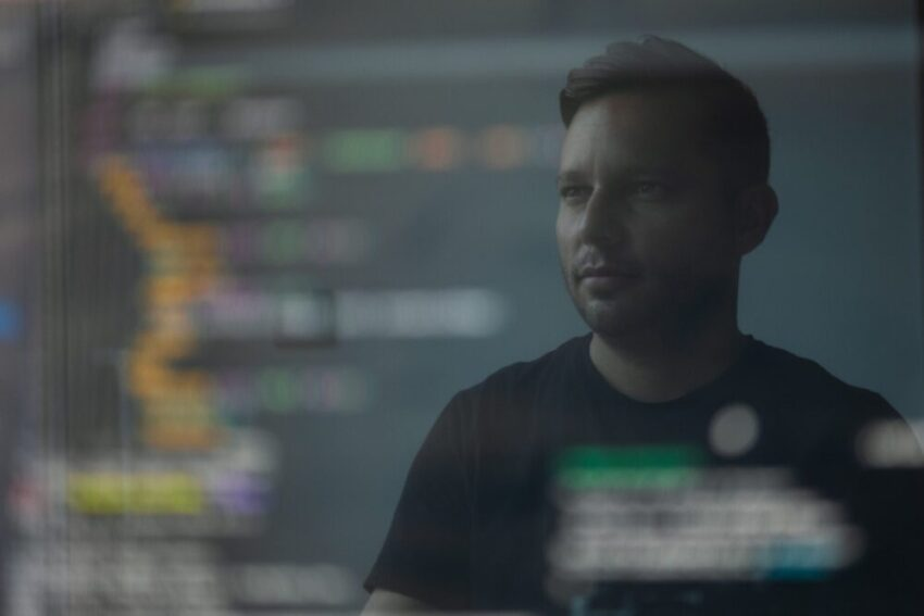 Become a Developer: Five Advantages and Disadvantages, What is the difference between Front-end, Back-end and Full stack development roles